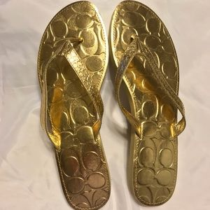 COACH CADEE F0102 Gold FLIP FLOPS - NWOT Size 10B